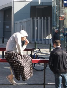 Man wearing manche